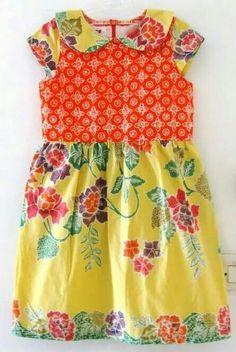 Batik deef Little Girl Dresses, Girls Dresses, Summer Dresses, Traditional Fabric, Traditional Dresses, Dress Anak, Children Dress, Batik Dress, Kids Wear