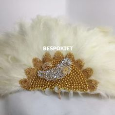 Decorative beaded Feather engagement Hand fan with brooch(gold beads) Engagement Hand, African Traditional Wedding Dress, Hand Fans For Wedding, Shiny Fabric, White Feathers, Gold Beads, Aladdin, Tassel, Bouquet