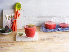 Levez-vous du bon pied avec ce délicieux smoothie rouge passion réalisé avec le lait d'amande Alpro non-sucré. Toutes les instructions sont par ici.