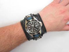 Černý+kožený+pásek+s+hodinkami+SECCO+Farba:+čiernomodrá+Šírka:+5+cm+Hodinky+SECCO+(+quartz+)+Vyrobím+podľa+požiadavky.+Potrebujem+Váš+obvod+zápästia.+Hodinky+vyrobím+podľa+požiadavky+tak+aby+sedeli+na+vašu+ruku.+Pred+kúpou+mi+napíšte+správu+a+všetko+upresníme