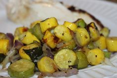 Roasted Summer Squash 2 lbs of summer squash, cut into bite size pieces 1 red onion, thinly sliced garlic cloves, thinly sliced cup coconut oil Sea salt and black pepper to taste cup fresh basil, finely diced Roasted Yellow Squash, Roasted Summer Squash, Summer Squash Recipes, Roasted Squash, Baked Squash, Primal Recipes, Side Recipes, Vegetable Recipes, Healthy Recipes