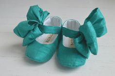 Items similar to Mary Jane Shoes With Large Bow For Baby Girl, Newborn, Shower Gift, Toddler Flats or Booties by Bobka Baby on Etsy Toddler Shoes, Kid Shoes, Girls Shoes, Baby Shoes Pattern, Shoe Pattern, How To Make Shoes, Baby Girl Shoes, Doll Shoes, Mary Jane Shoes