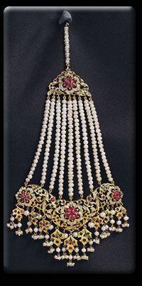 Jhumar (head jwellery)