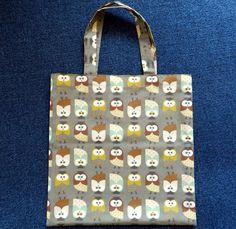 Stoffbeutel - Tasche mit Eulen, kurze Henkel - ein Designerstück von Bastelfee bei DaWanda