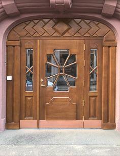 #Vatnestrøm #Iveland #vatnestrømdørfabrikken #treproduksjon #heltredører #eik #litbedredører #spesialdører #håndlaget #kvalitet #sørlandet #doorsofnorway #door #krisiansand #specialdoor #imponerende #ramtredør #spesiellfylling #nicedoor #special #accoyawood #accoya #stor #dør @accoya Decor, Outdoor Decor, Garage Doors, Home Decor, Doors