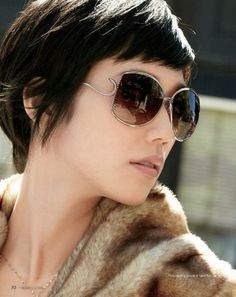 Short hair- the bangs are so chic, maybe a good idea to do if I get bored.