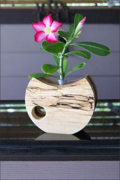 This handcrafted wooden bud vase holds precious buds of your favorite flowers. - Holz - This handcrafted wooden bud vase holds precious buds of your favorite flowers. Dress up the vase wi - Bud Vases, Flower Vases, Flower Arrangements, Flowers, Clear Vases, Tall Vases, White Vases, Wood Vase, Metal Vase