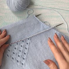 Knitting Stitches, Knitting Designs, Knitting Patterns, Crochet Patterns, Summer Knitting, Crochet Yarn, Arm Warmers, Lana, Sewing Crafts