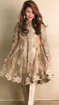Fancy Formal & Trendy Short Frocks For Eid Festivities 2019 - Trend und Mode Pakistani Fancy Dresses, Pakistani Fashion Party Wear, Pakistani Wedding Outfits, Indian Fashion Dresses, Pakistani Dress Design, Indian Designer Outfits, Latest Pakistani Fashion, Asian Fashion, Fancy Dress Design