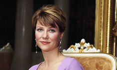 Her Highness Princess Märtha Louise of Norway has opened up about motherhood in a new interview with the Norwegian women's magazine, Kvinner og Klær (KK); her colleague, Elisabeth Nordeng was… Norwegian Royalty, Royal House, Why People, Open Up, Marie Claire, Looking Up, Comebacks, Norway, Most Beautiful