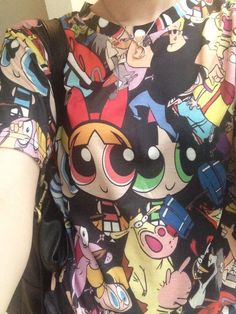 Hayley Williams (my idol) wearing this fantastic Nickelodeon 90s cartoon shirt that I really want!
