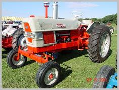 Tractor ID History - Ford Fordson Collectors Association 8n Ford Tractor, New Tractor, Antique Tractors, Vintage Tractors, The Hundreds Series, Classic Tractor, Old Farm Equipment, Engine Block, Hydraulic Pump