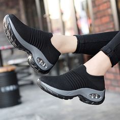 The Most Stylish Walking Shoes Sock Sneakers for Women 2020 - Kunterbunt - Schuhe Wedge Sneakers, Air Max Sneakers, Shoes Sneakers, Women's Shoes, Sneakers Women, Flat Shoes, Sock Shoes, Shoe Boots, Stylish Walking Shoes
