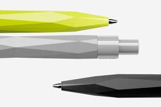 With the Peak Pen, the QS-typical concept of a three-dimensional design of the casing surface results in an almost sculptural object. The look and haptic mutually reinforce each other and are in perfect harmony. The smooth, minimalistic clip creates an attractive contrast to the casing.:
