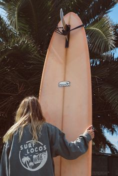 The thing that is first do every early morning is go online to check the surf. If the waves are good, I'll go surf. Surfer Girls, Beach Aesthetic, Summer Aesthetic, Summer Feeling, Summer Vibes, Summer Diy, Summer Surf, Pink Summer, Happy Summer