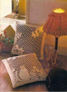 Kitten in the garden pillow with diagrams, filet work