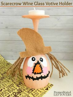 This DIY Scarecrow W