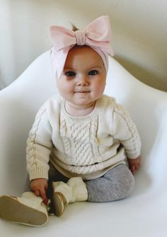 Oversized Bow DIY Baby Headband | Easy as pie for your new cutie-pie!