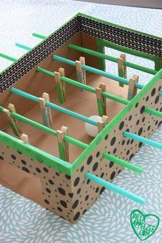 子どもと作ろ♪空き箱で作る「サッカーゲーム」夏休みの工作にもオススメ♡