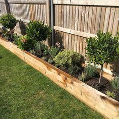 Small Back Gardens, Small Backyard Gardens, Small Backyard Design, Small Backyard Landscaping, Backyard Garden Design, Backyard Ideas, Landscaping Design, Diy Garden Bed, Garden Pots