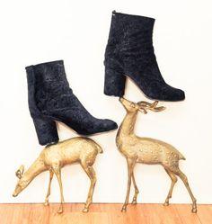 4d9f5bfd5 Designer & Model TyLynn Nguyen's Los Angeles Home Botas E Sapatos, Sapatos  Elegantes, Sapatos