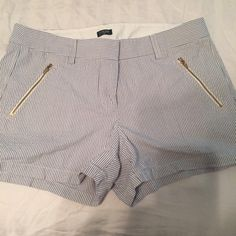 J crew shorts 10 Excellent condition firm on price. J. Crew Shorts Skorts