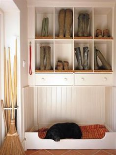 Mudroom Inspiration - Home Stories A to Z-cubbies for boot storage, space for dog bed underneath or cat litter box Built In Dog Bed, Home Design, Design Design, Modern Design, Design Ideas, Home Interior, Interior Design, Boot Storage, Decoration Entree