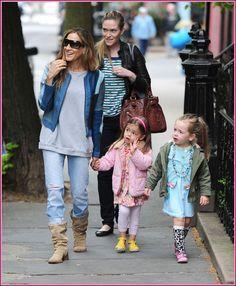 Sarah Jessica Parker Takes Her Twins To School | Babyrazzi