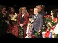 Poslechněte si, co řekl a zazpíval KAREL GOTT na premiéře muzikálu s jeho písněmi! - YouTube Karel Gott, Advent, Youtube, Youtubers, Youtube Movies