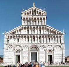 Duomo di Pisa Front Facade 2009 - Romanesque architecture - Wikipedia Byzantine Architecture, Romanesque Architecture, Roman Architecture, Classic Architecture, Architecture Facts, Architecture Design, Ribbed Vault, Romanesque Art, Tower House