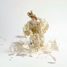 Photograph by MARTIN KLIMAS When cheap, cut-rate porcelain figurines hit the ground they shatter. Photographer Martin Klimas captures this transformative and fleeting moment right before their demise. Martin Klimas, High Speed Photography, Art Photography, Clay Figures, Action Figures, Shattered Dreams, Capture Photo, Frozen In Time, Angel Statues