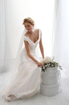 le spose di gio wedding dress  | Wedding Dress with No Waist/Princess Seams in Silk Chiffon. Bridal ...