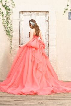 Pin by rin-lin-rin-lin on Wedding dress Colored Wedding Dresses, Bridal Dresses, Wedding Gowns, Prom Dresses, Elegant Ball Gowns, Weeding Dress, Fairy Dress, Fantasy Dress, Quinceanera Dresses