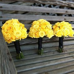 yellow rose bouquets but scaled down?
