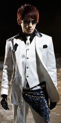 Jung Ji-Hoon aka Bi (비 - Rain).