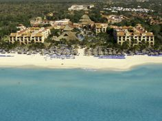 Here is a full picture of the Sandos Caracol Eco Resort & Spa grounds from above the Caribbean Ocean.  You can visit this all inclusive resort at a substantial discount for qualifying as a vacation club prospect.  Sandos Resorts offers one of the best timeshare deals in Mexico.  Come and take a timeshare tour of one of the Sandos Properties this year!