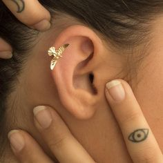 Our Ear cuff or conch ring is perfectly comfortable for the ear and easy to wear. This listing is for a single double ear cuff. Our Clip on ear cuff, slightly adjustable with a little squeeze and available in our one size fits all fake piercing. Helix Piercings, Helix Piercing Jewelry, Helix Earrings, Tiny Stud Earrings, Cartilage Earrings, Diamond Earrings, Diamond Studs, Tongue Piercings, Halo Diamond