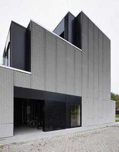Wiadomości Wrzesinskie Editorial Office / Ultra Architects Września, Dworcowa 1, 62-302 Września, Poland