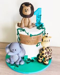 Most recent Cost-Free birthday cake making Ideas:Repeat after me, that is hamiş just a cake smash se Safari Birthday Cakes, Jungle Theme Cakes, Baby First Birthday Cake, Jungle Theme Birthday, Adult Birthday Cakes, Free Birthday, Lion Birthday Party, 1st Birthday Ideas For Boys, 1st Birthday Decorations Boy