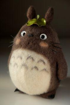 Totoro, felt toys, fetreno, totoro toys felt needle felting, felt dolls и t Needle Felted Animals, Felt Animals, Cute Crafts, Felt Crafts, Needle Felting Tutorials, Wool Art, Felt Toys, Wet Felting, Craft Ideas