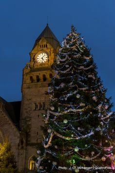 Metz illuminé (2). Le dernier sapin de Noël en 2015. Découvrez ce qui lui succède en venant nous rendre visite :-) !