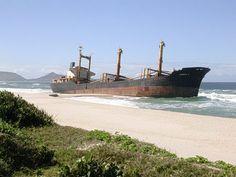 bateau échoué à Madagascar