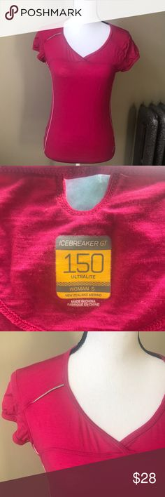 7fe9c82368a Icebreaker GT 150 Ultralite Women's Merino Wool Excellent condition. 96%  Merino 4% Spandex