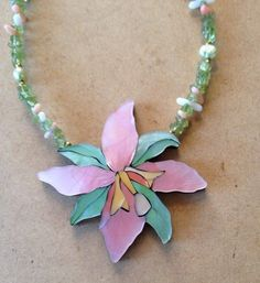 VTG LEE SANDS  Mother of Pearl necklace with peridot chips 18""