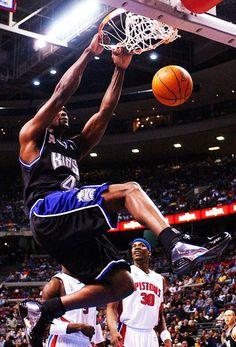 Chris Webber at Sacramento Kings Logo Basketball, Kentucky Basketball, Basketball Legends, Duke Basketball, College Basketball, Basketball Players, Kentucky Wildcats, Soccer, Basketball Games