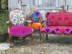 What do you do when a potential client wants a set of chairs for one of the biggest clothing and accessory trade shows in Las Vegas? That's exactly what happened last month. The initial request was for 6 chairs to dress up a clothing company Funky Furniture, Colorful Furniture, Furniture Projects, Painted Furniture, Funky Chairs, Vintage Chairs, Chair Redo, Boho Decor, Decoration