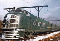 """Illinois Central Railroad """"The Green Diamond"""" steamlined passager diesel train.Built by Pullman Standard 1936 with Winton (EMC) power. Missouri, Railroad Pictures, Old Trains, Vintage Trains, Bonde, Train Art, Rail Car, Train Pictures, Train Engines"""