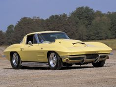 Check out this custom 1963 Chevrolet Corvette Sting Ray,