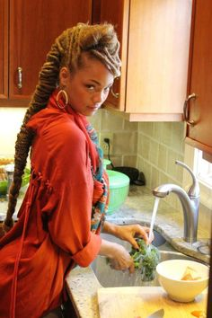 sweetdreadfairy: Who knew locs and cooking could be so sexy?