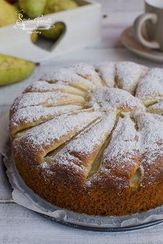 torta pere e yogurt greco senza burro soffice ricetta dolce Italian Cake, Italian Desserts, Just Desserts, Tea Sandwiches, Yogurt Greco, Bakery Cakes, Sweet Cakes, No Cook Meals, Sweet Recipes